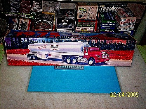 Texaco 1975 Toy Tanker Truck Working Lights and Sounds 1995 Edition