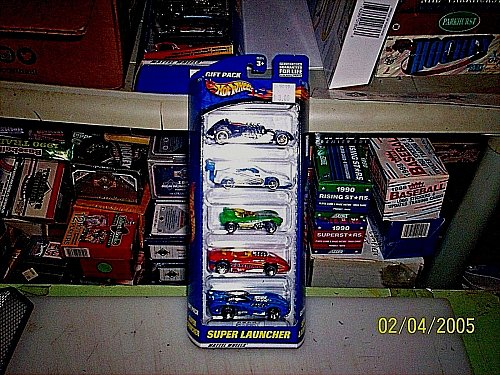 Hot Wheels SUPER LUNCHER 5 Pack Gift Set Cars 2000