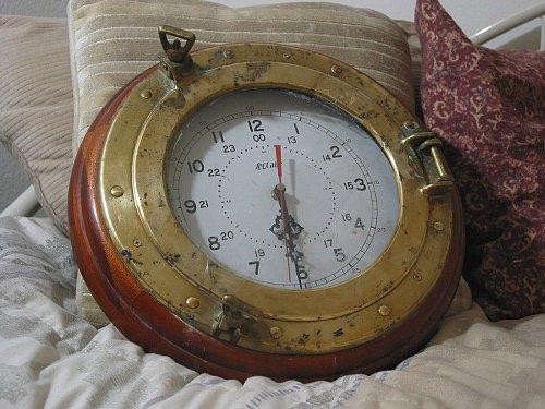 PORTHOLE Brass 24 hr 12 hr Clock In Wood Frame Broken