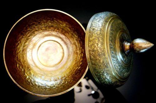 Vintage Jar Pedestal Cover Brass Handcraft Carved Decorative Engraved Thai Arts