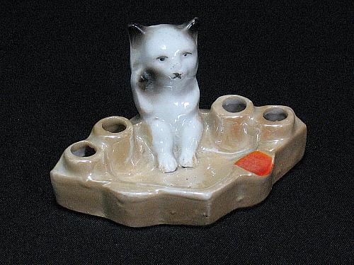 Porcelain Cat Figural Ashtray & Cigarette or Match Holder Vintage Japan Snuffer