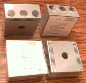 "Lot of 4: Mulberry 30248 Five 3/4"" IPS Holes Outlet Box"