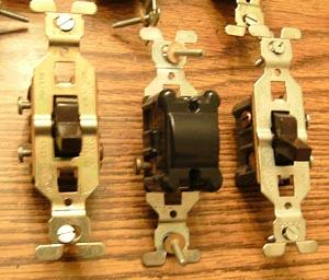 Lot of 10: GE 3 Wire Brown Toggle Switches :: FREE Shipping