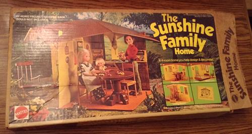 Sunshine Family Home : With Father and Baby : 1974 Mattel
