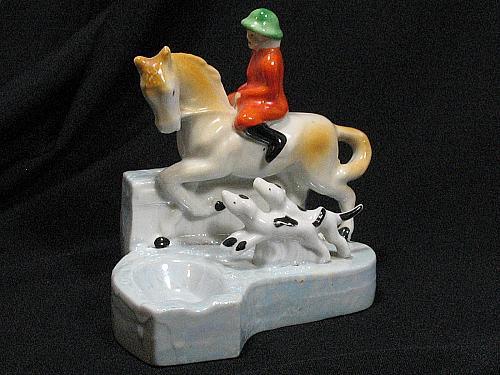 VTG Porcelain Hunting Horse Dogs Figural Ashtray Cig Holder Snuffer Japan Lustre