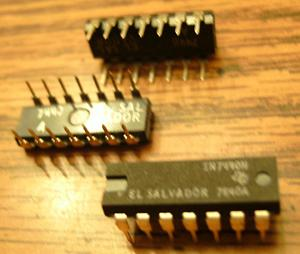 Lot of 15: Texas Instruments SN7440N