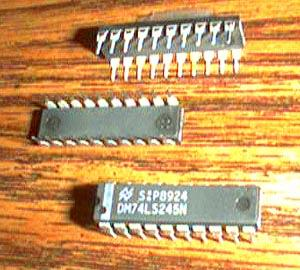 Lot of 18: National Semiconductor DM74LS245N