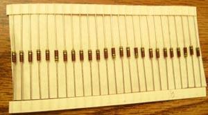 Lots of 25: Allen Bradley RCR07G221JS : 1/4W 220 Ohm Resistors