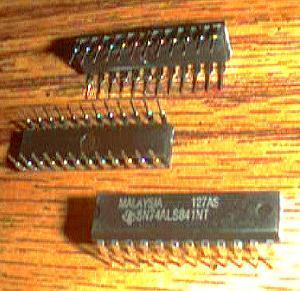 Lot of 15: Texas Instruments SN74ALS841NT