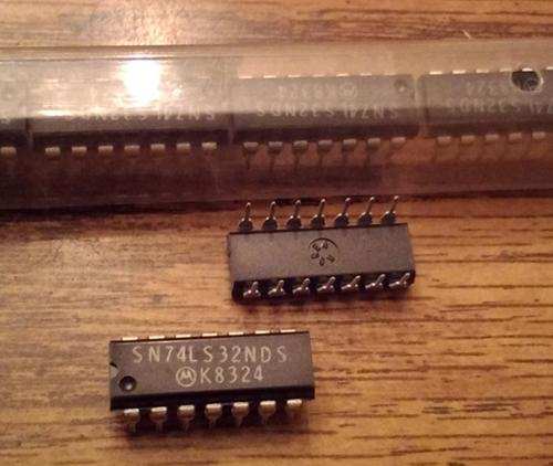 Lot of 15: Motorola SN74LS32NDS