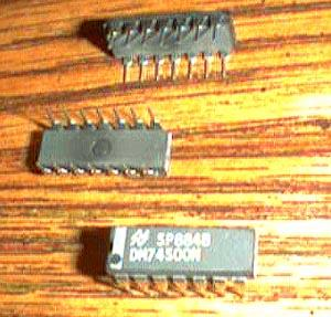 Lot of 25: National Semiconductor DM74S00N