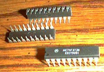 Lot of 18: Motorola MC74F373N