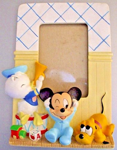 Disney Babies Picture Frame With 2 by 3 Inch Opening EUC