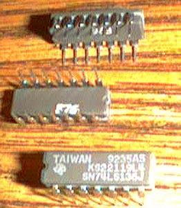 Lot of 17: Texas Instruments SN74LS136J
