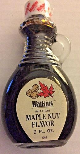 NEW Vintage JR Watkins 2 oz Maple Nut Extract in Glass Bottle with Handle NOS