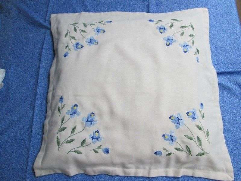 Pillow Case Cushion Cover Embroider Cross Stitch Needlework 21x 21