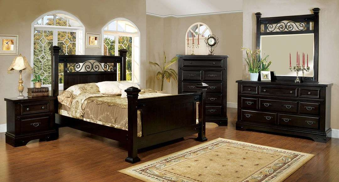 Traditional Espresso Finish Queen King 4 Pc Bedroom Set