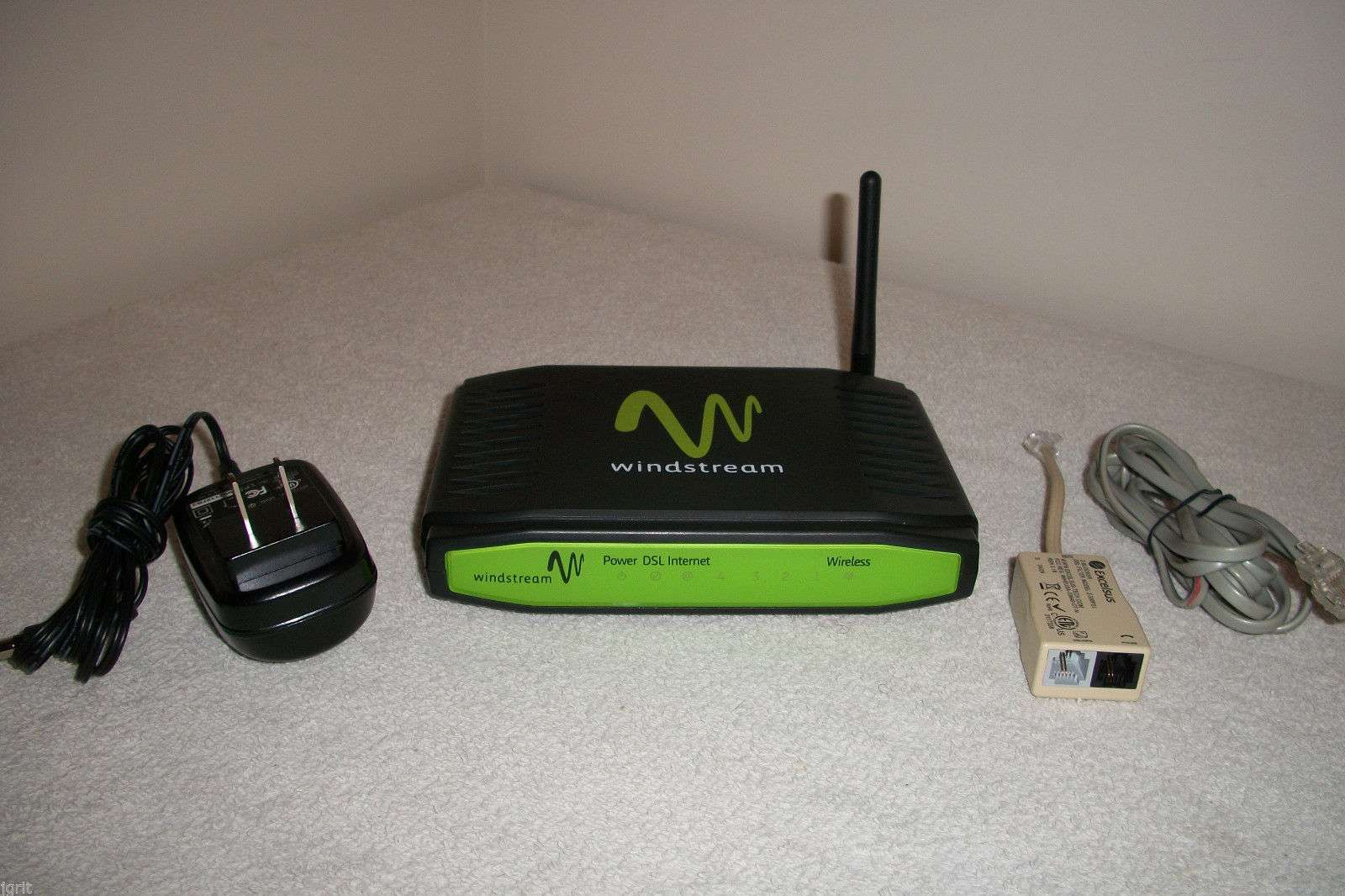 WindStream Sagemcom MODEM 1704 WIRELESS 4 port internet ROUTER DSL ethernet  WPS