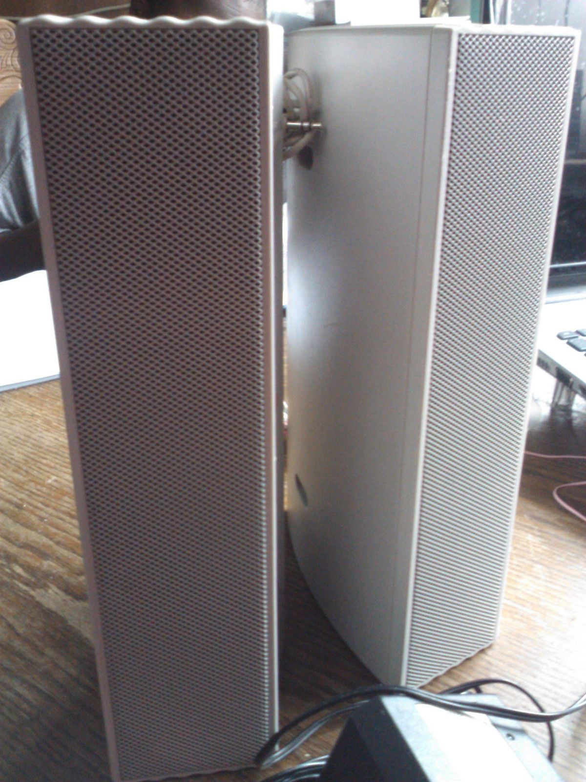 2pc packard bell 168120 pc 10 39 39 h x 6 39 39 w speakers for sale item 1459693. Black Bedroom Furniture Sets. Home Design Ideas