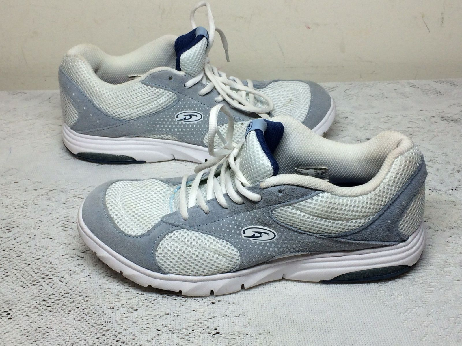 FRIDA TECH ATHLETIC RUNNING SHOES SIZE