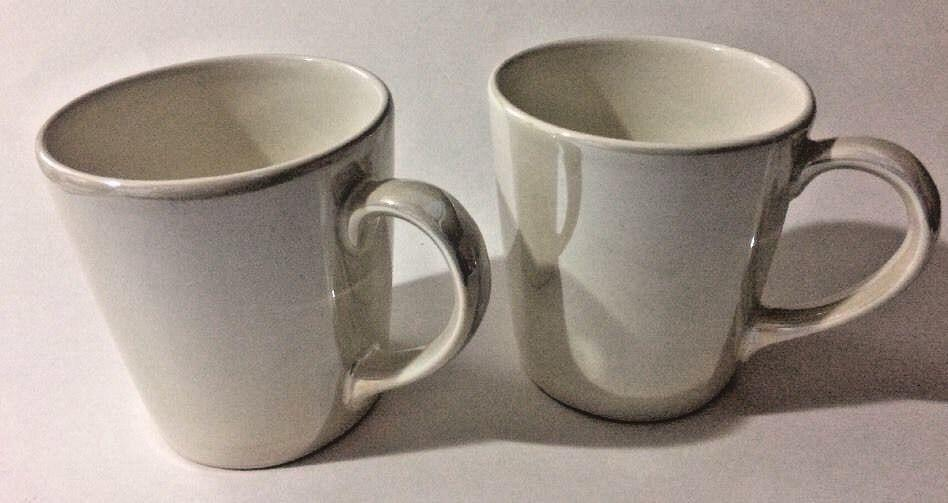 2 Mugs White Portugal Cups Coffee Starbucks Iridescent Peal Of 2012 ~ Set sthdQr